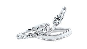婚約指輪をみる